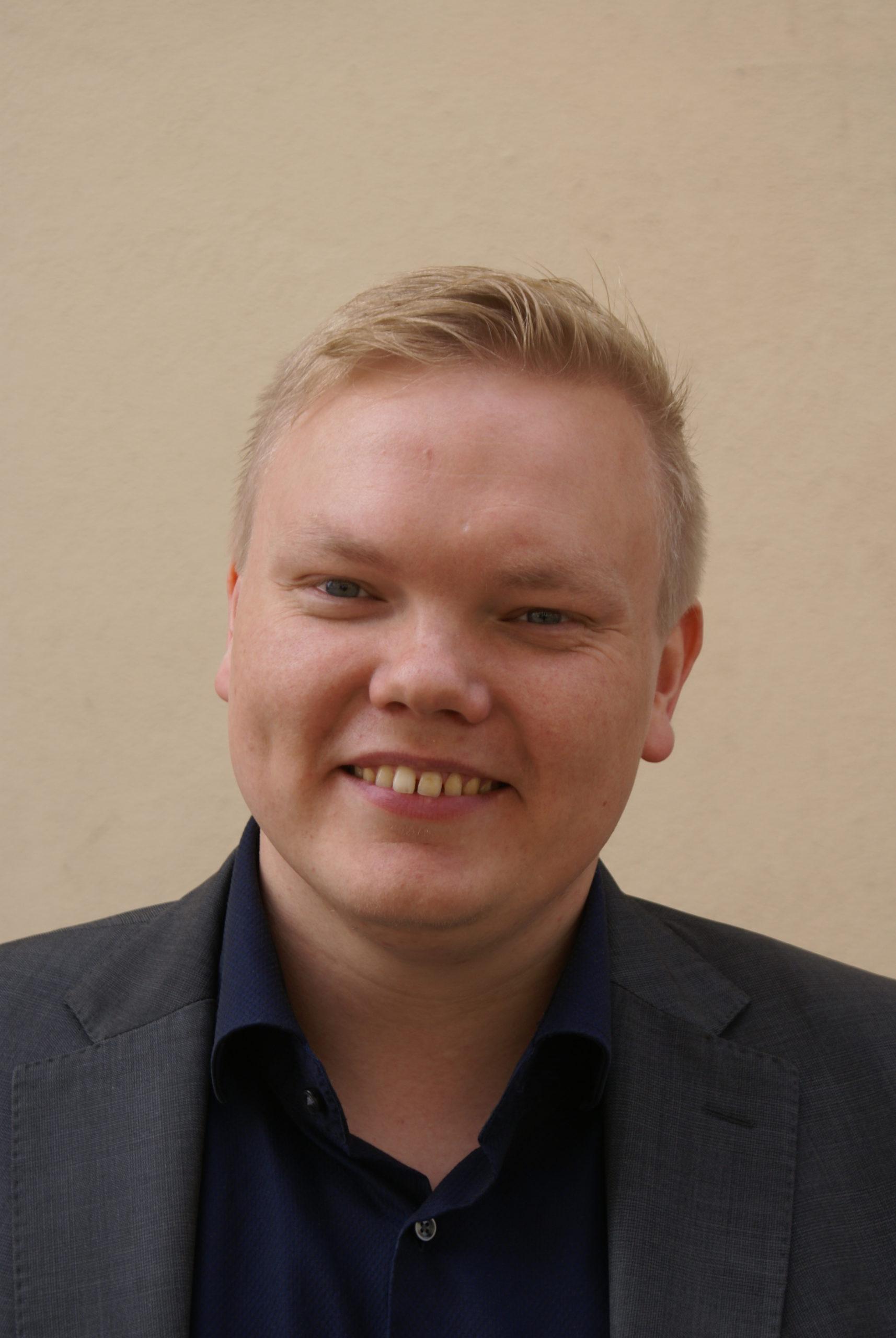 """Antti Kurvinen. """"Nuorilta kaipaisin velvollisuudentuntoa ja uhrimieltä."""""""