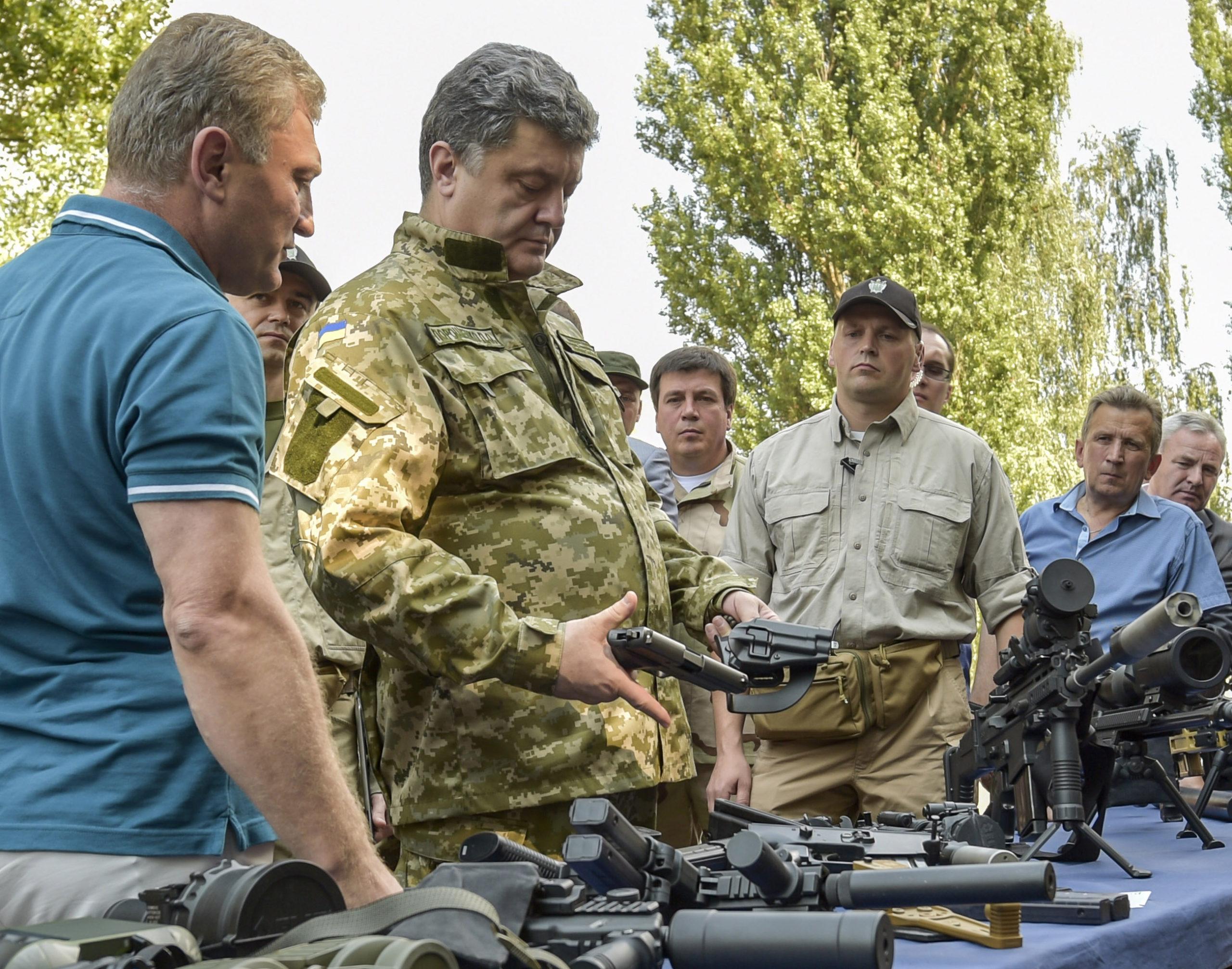 Ukrainan presidentti Petro Porošenko vieraili maan kansalliskaartin koulutuskeskuksessa Kiovan lähellä heinäkuun lopulla.