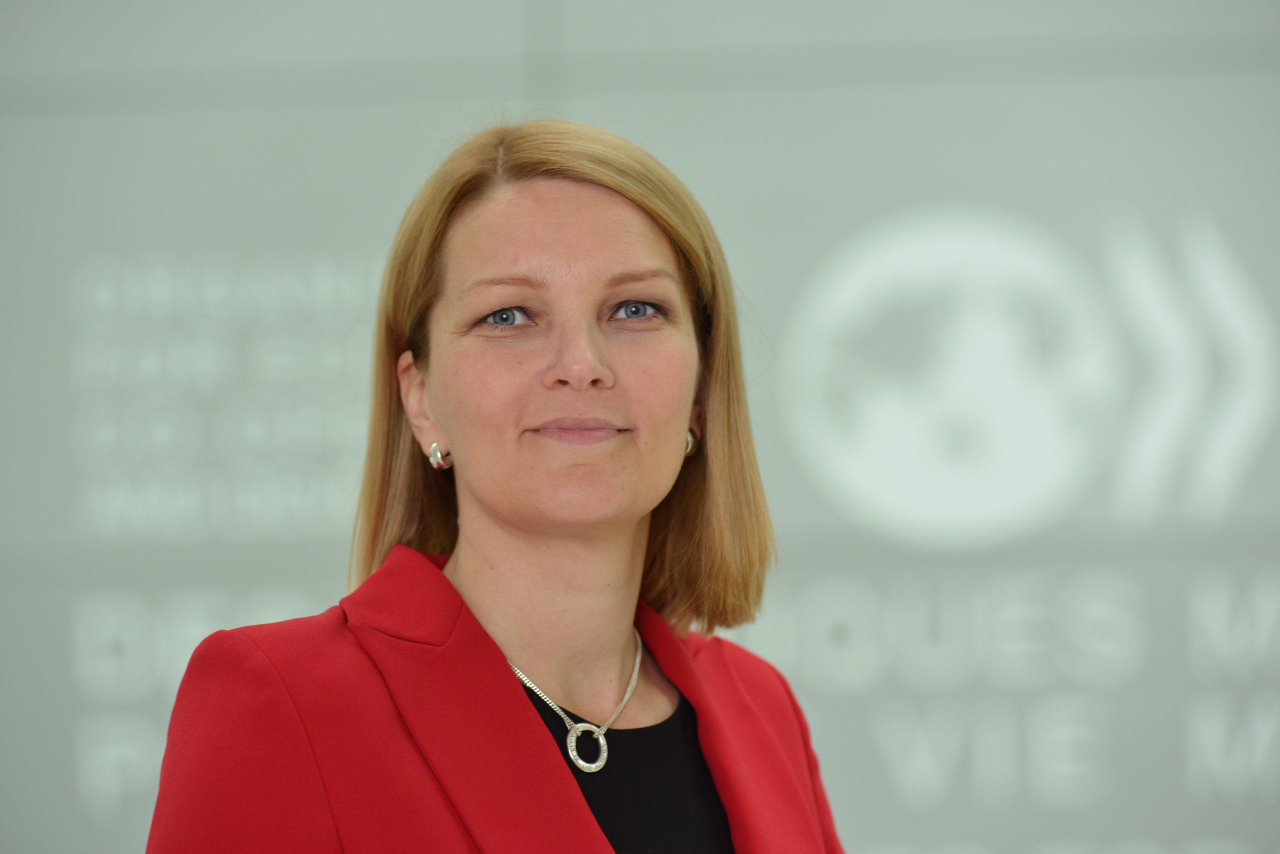 EKP:n pitäisi otaa käyttöön määrällinen elvytys, Mari Kiviniemi sanoo.