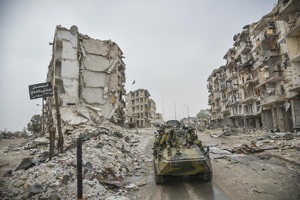 Syyrian Aleppo on pommitettu raunioiksi.
