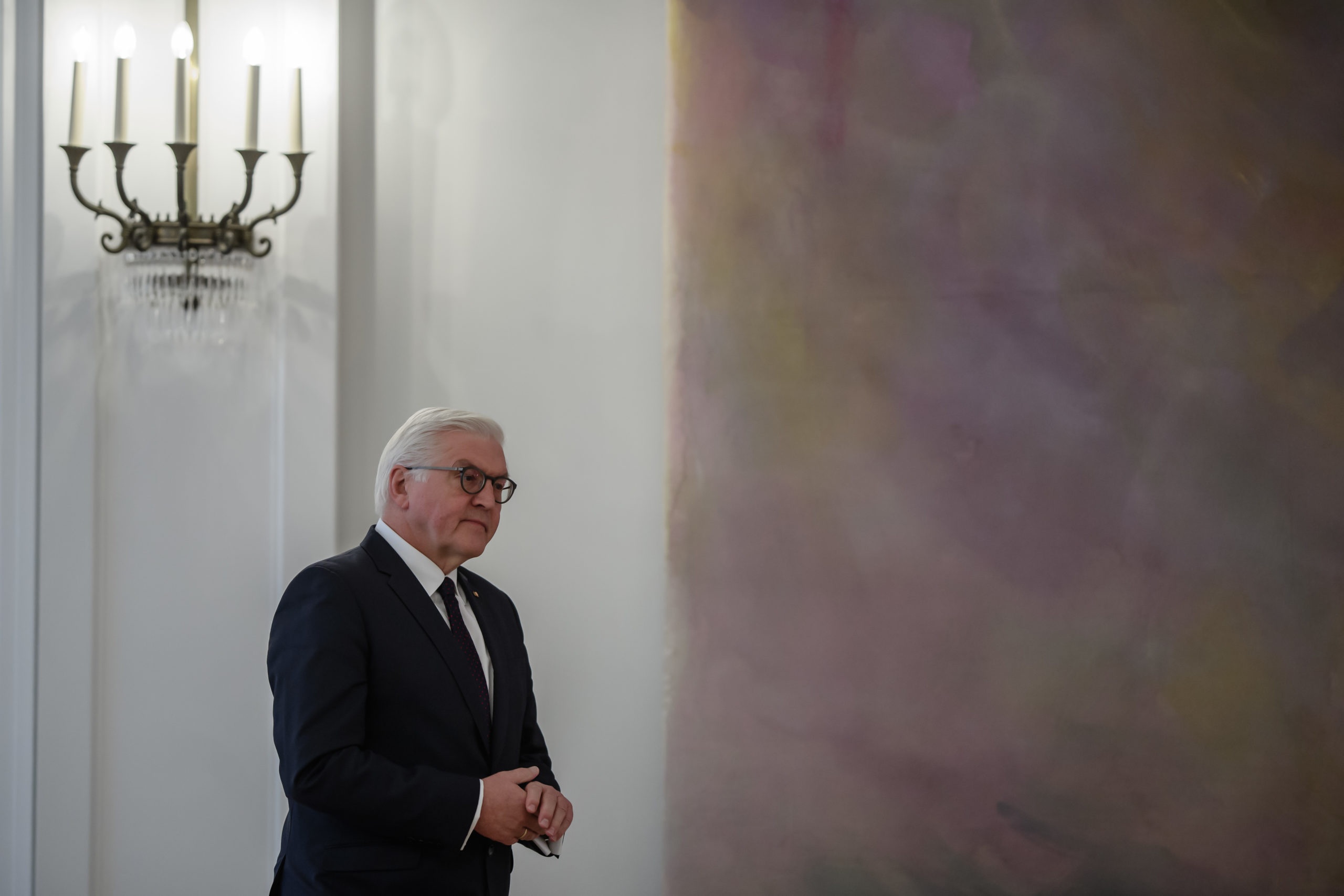 Hallitustunnusteluiden jälkeen katseet Saksassa kääntyivät SPD-taustaiseen liittopresidenttiin Frank-Walter Steinmeieriin.