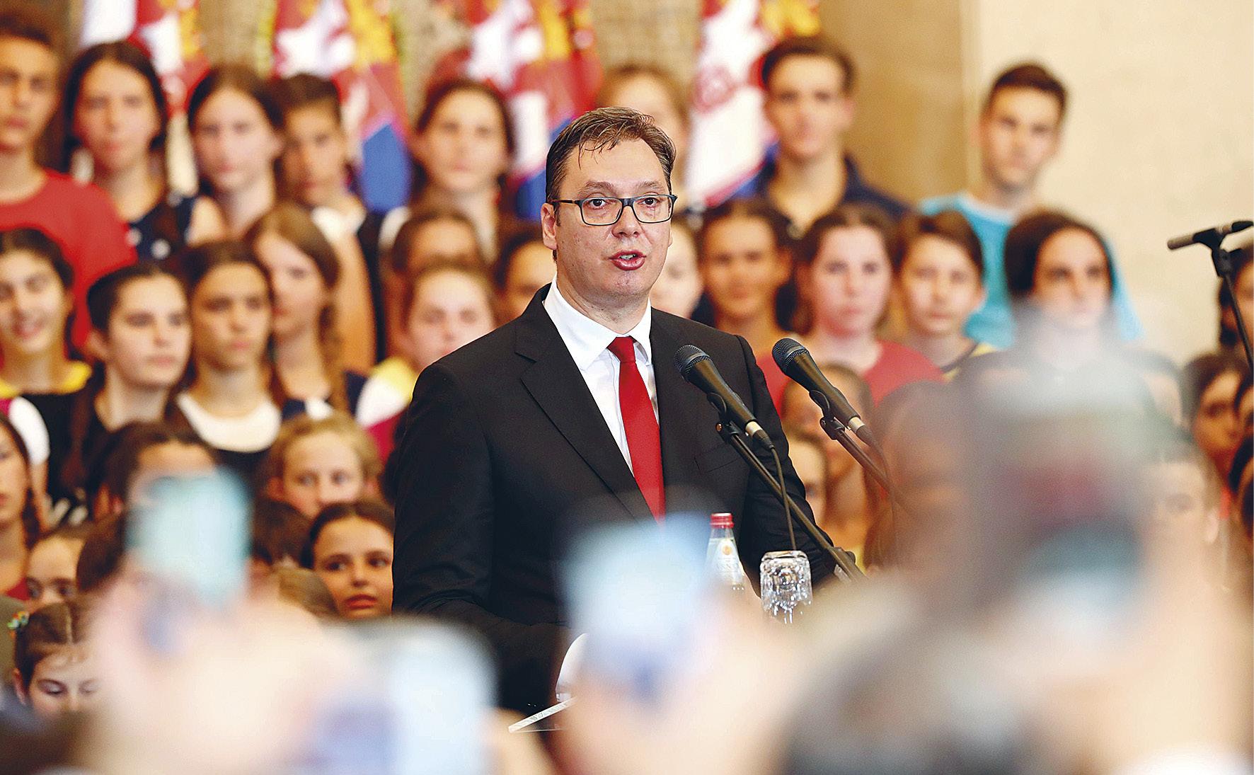 Serbian presidentti Aleksander Vučić lupasi virkaanastujaispuheessaan, että Serbia tekee töitä kansalaistensa paremman turvallisuuden eteen.