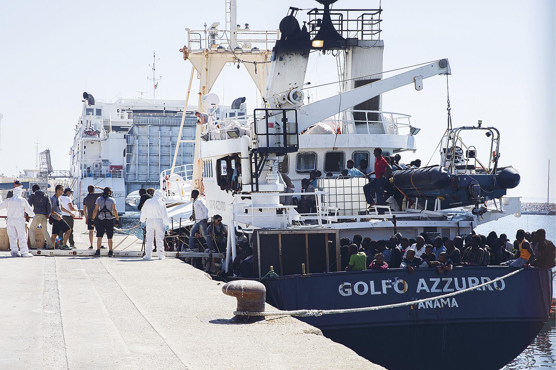 Välimerellä partioi sotilasalusten lisäksi kansalaisjärjestöjen pelastusaluksia. Kesäkuussa Pro Activa Open Arms -järjestön alus toi Pozzallon satamaan 682 ihmistä.