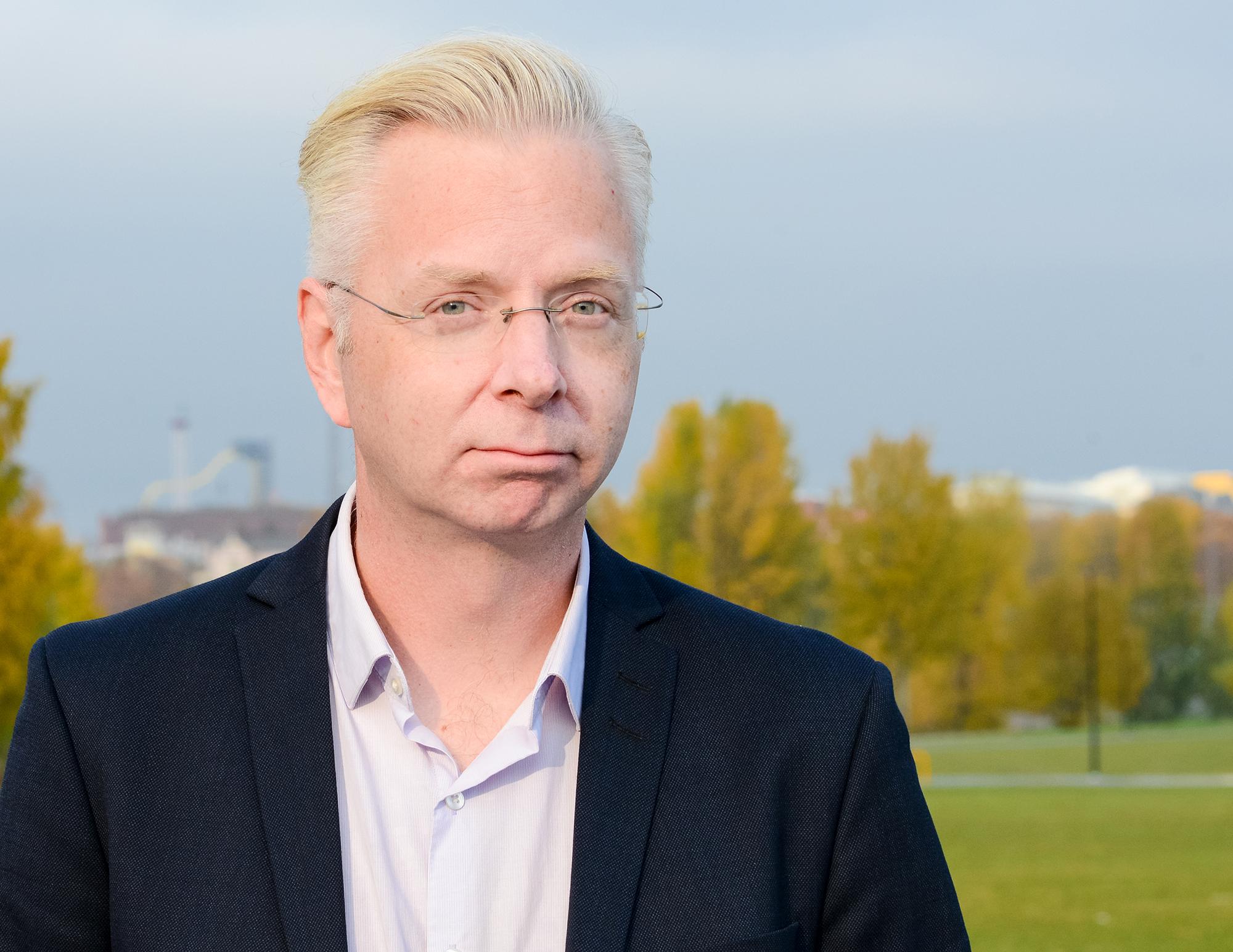 Markku Ruotsilan mielestä Suomessa uutisoidaan Donald Trumpin kannattajista tuomitsevaan sävyyn.