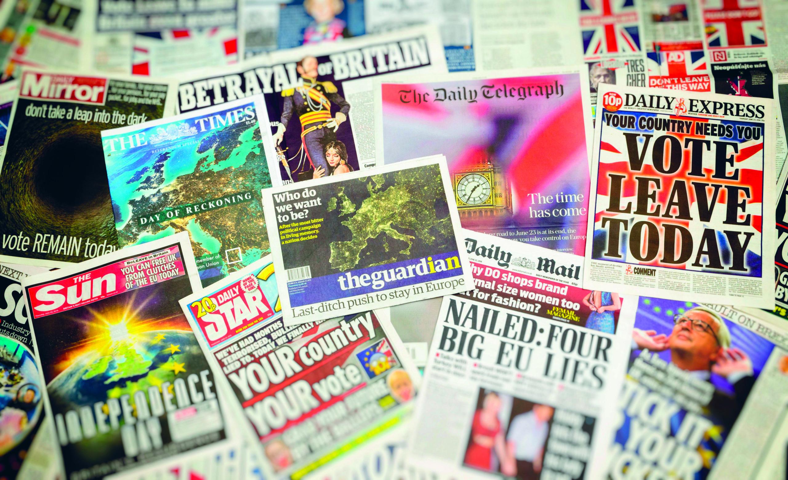 Brittilehtien kansia kansanäänestyksen aattona. Kuva: Lenscap / Alamy