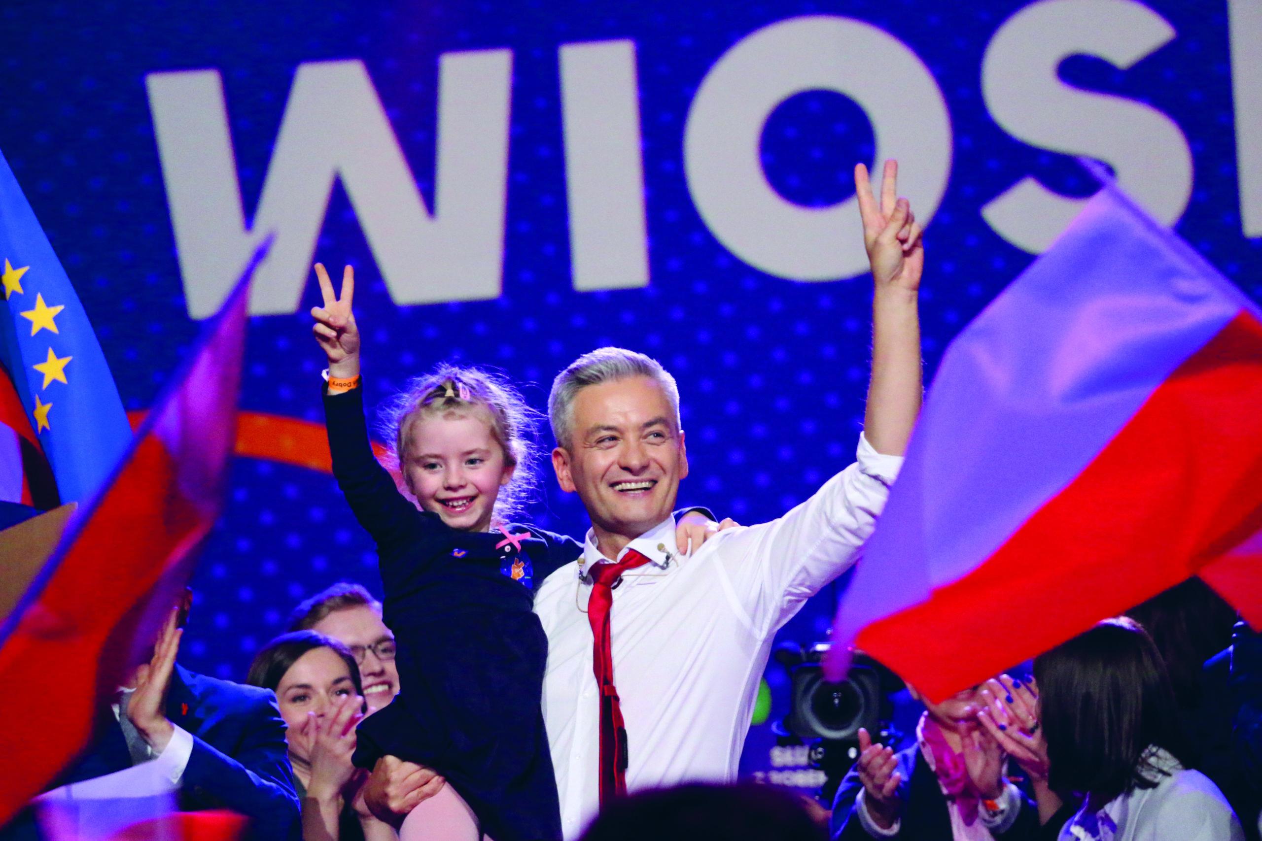 Puolan ensimmäinen avoimesti homoseksuaali parlamentin jäsen Robert Biedroń esitteli uuden puolueensa helmikuussa Varsovassa.