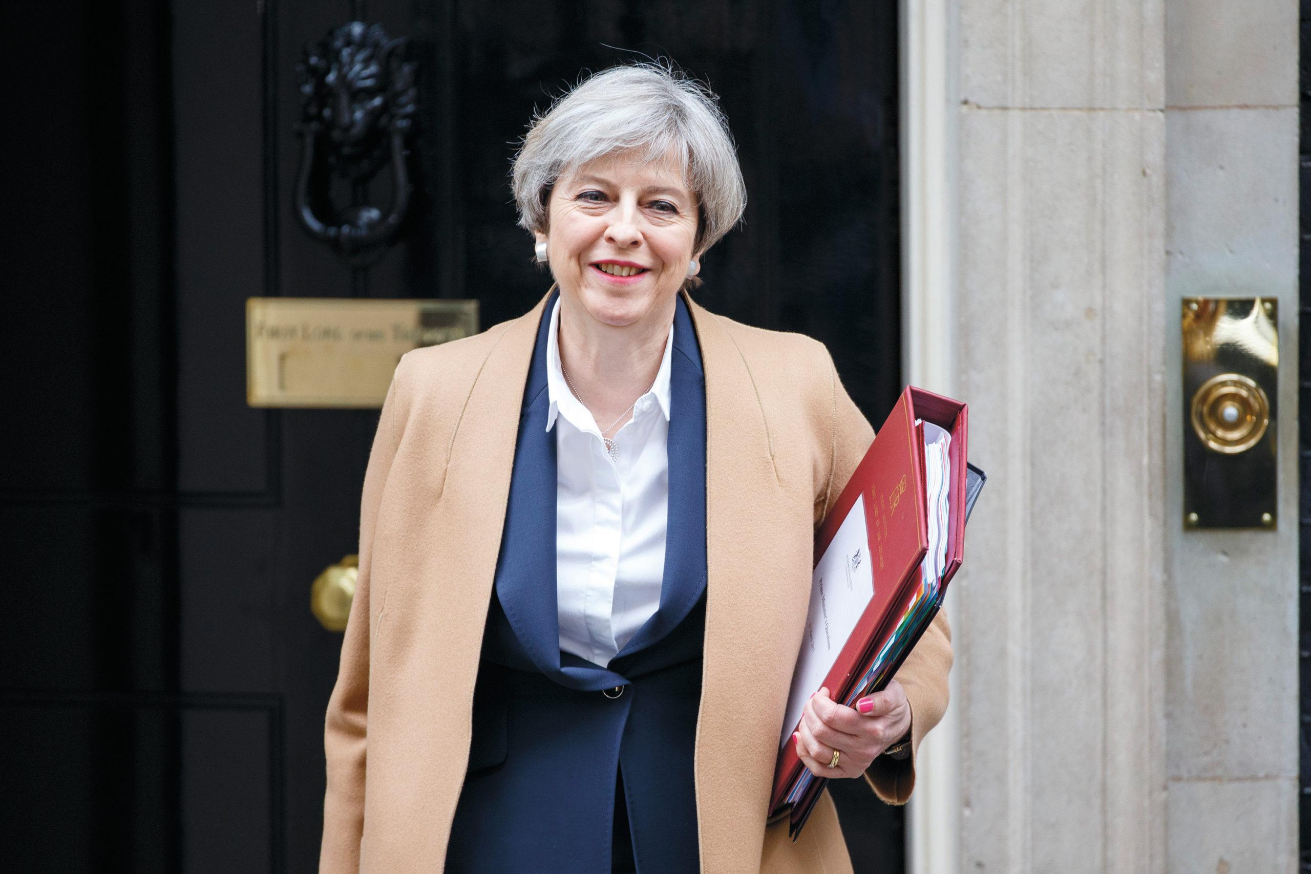 Theresa May pääministerin virka-asunnolla Downing Streetillä 2017. Kuva: Mark Thomas / All Over Press