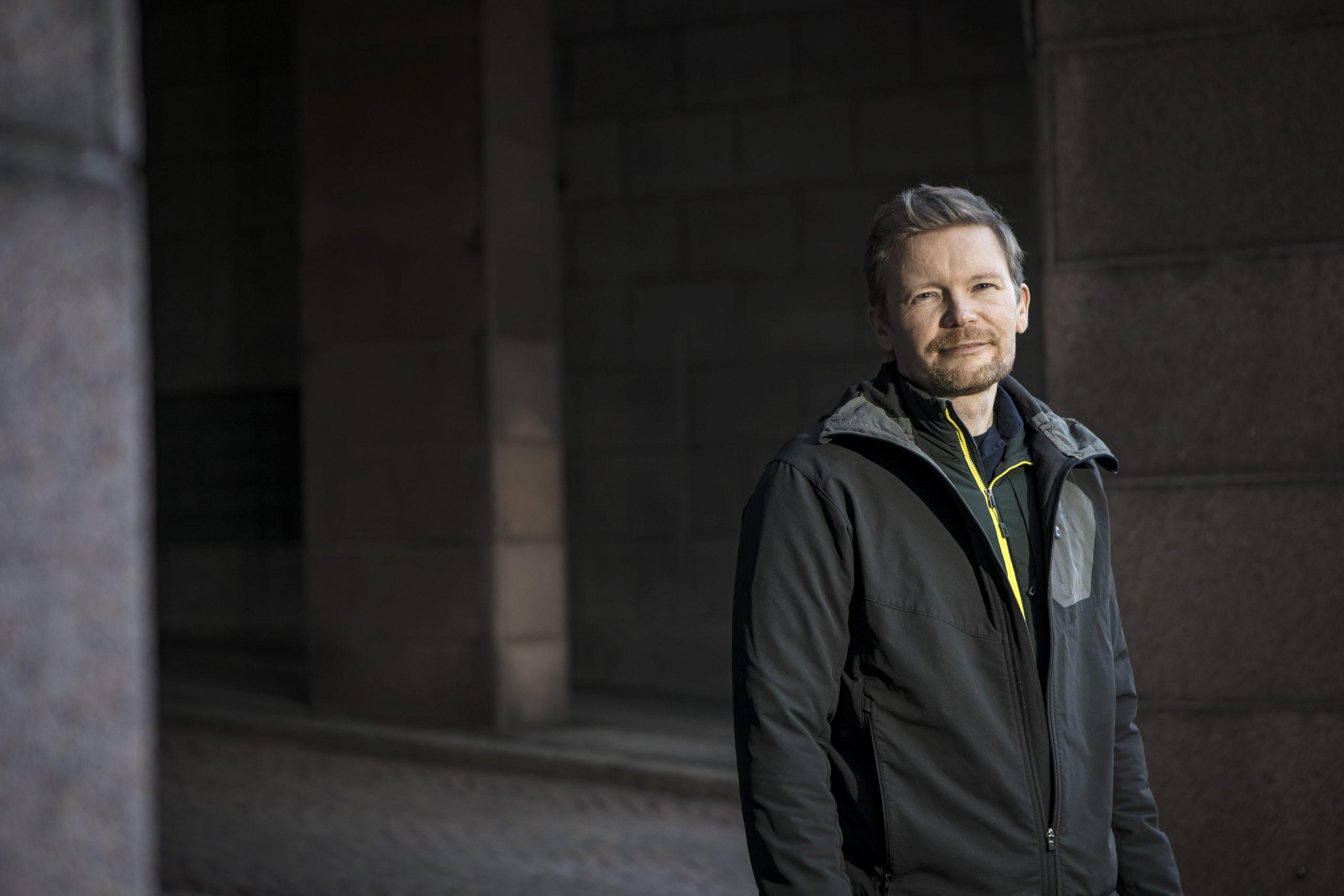 »Suomi on nostanut mustan hiilen esille, koska nykyisessä poliittisessa ilmapiirissä Yhdysvallat ja Venäjä eivät pysty keskustelemaan kaikkein isoimmasta ongelmasta eli hiilidioksidista.»