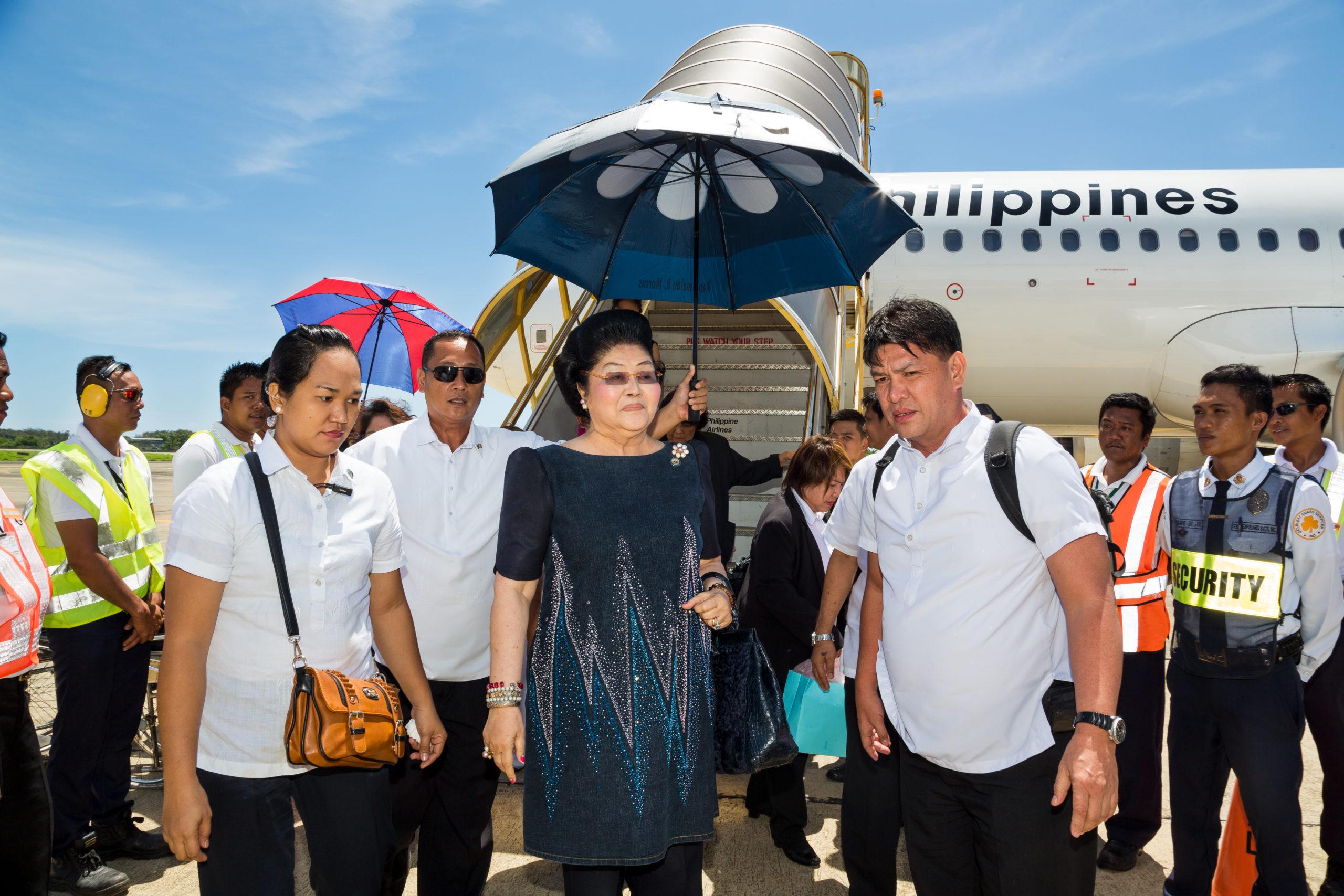 The Kingmaker seuraa diktaattorin vaimon Imelda Marcosin elämää tämän päivän Manilassa.