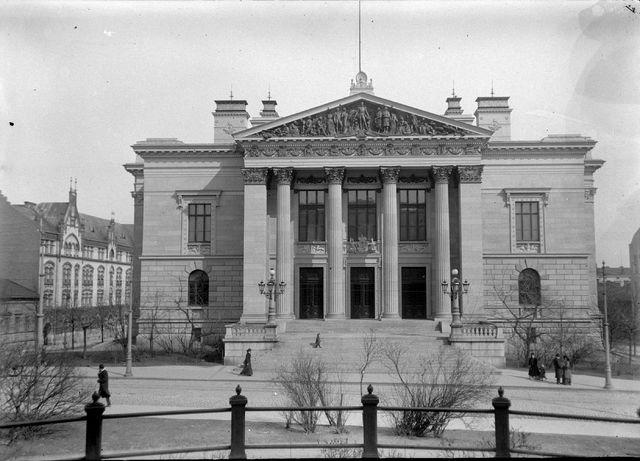 Vuoden 1920 reunavaltiokonferenssi järjestettiin Säätytalossa.
