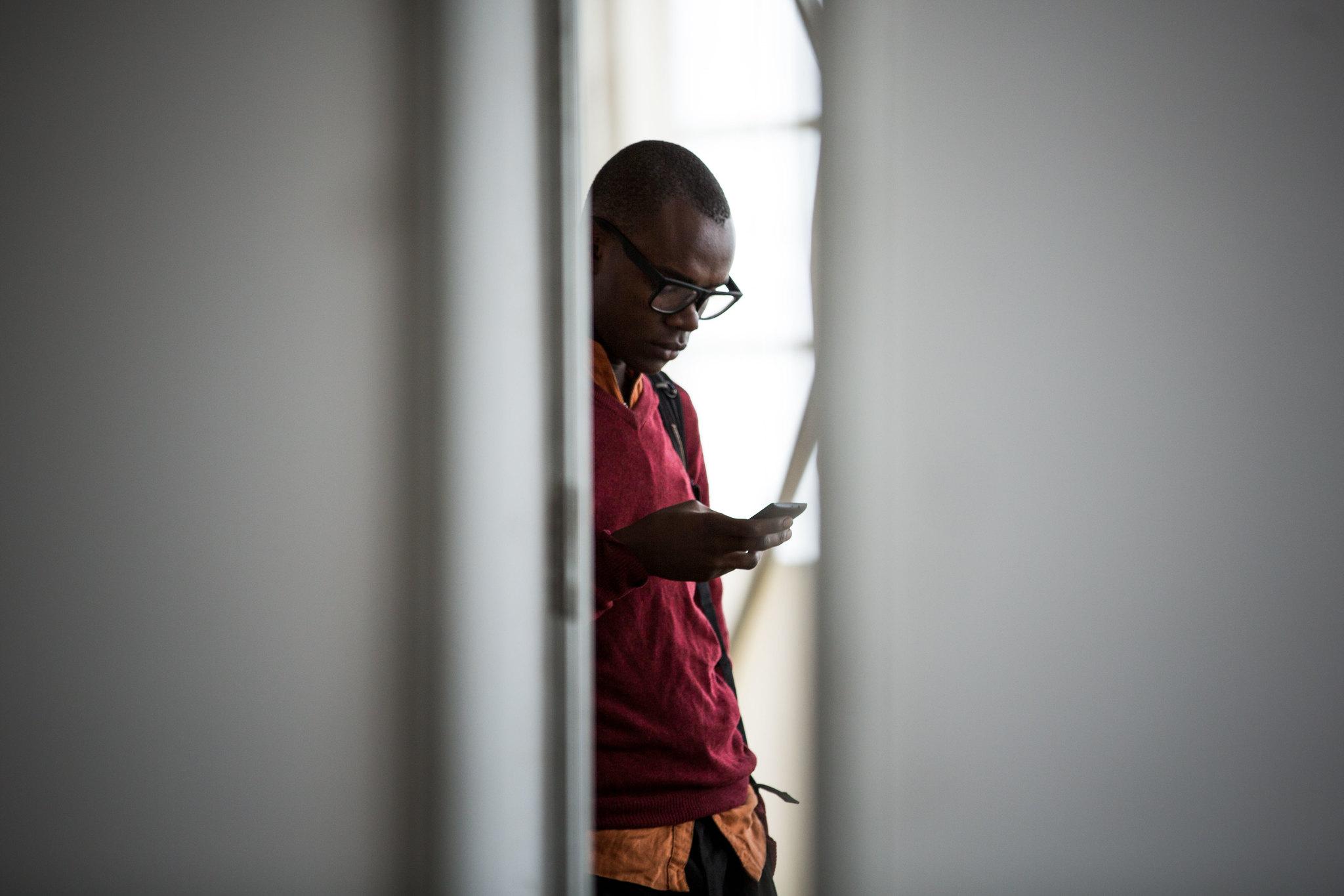 Kansainvälisten yrittäjämessujen osallistuja Kenian pääkaupungissa Nairobissa. Kuva: Stuart Price/MEAACT