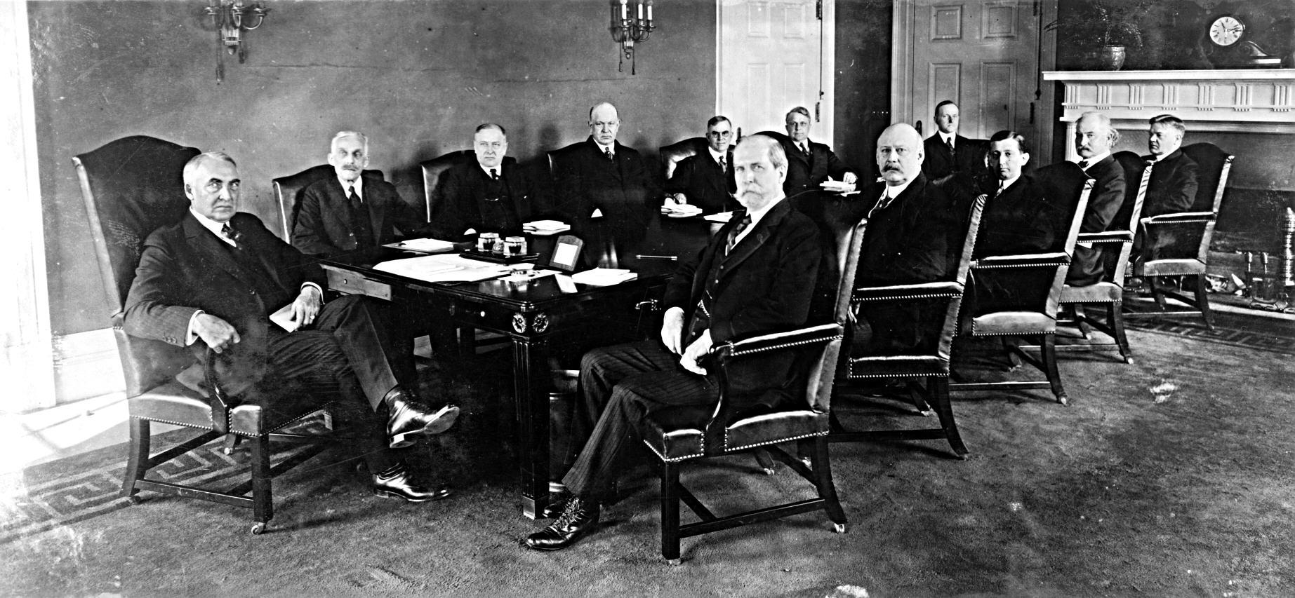 Washingtonin-lähettiläs A.H. Saastamoinen korosti Suomen tarvetta luoda hyvät suhteet Yhdysvaltain uuden presidentin Warren G. Hardingin hallintoon. Kuva: Wikimedia Commons