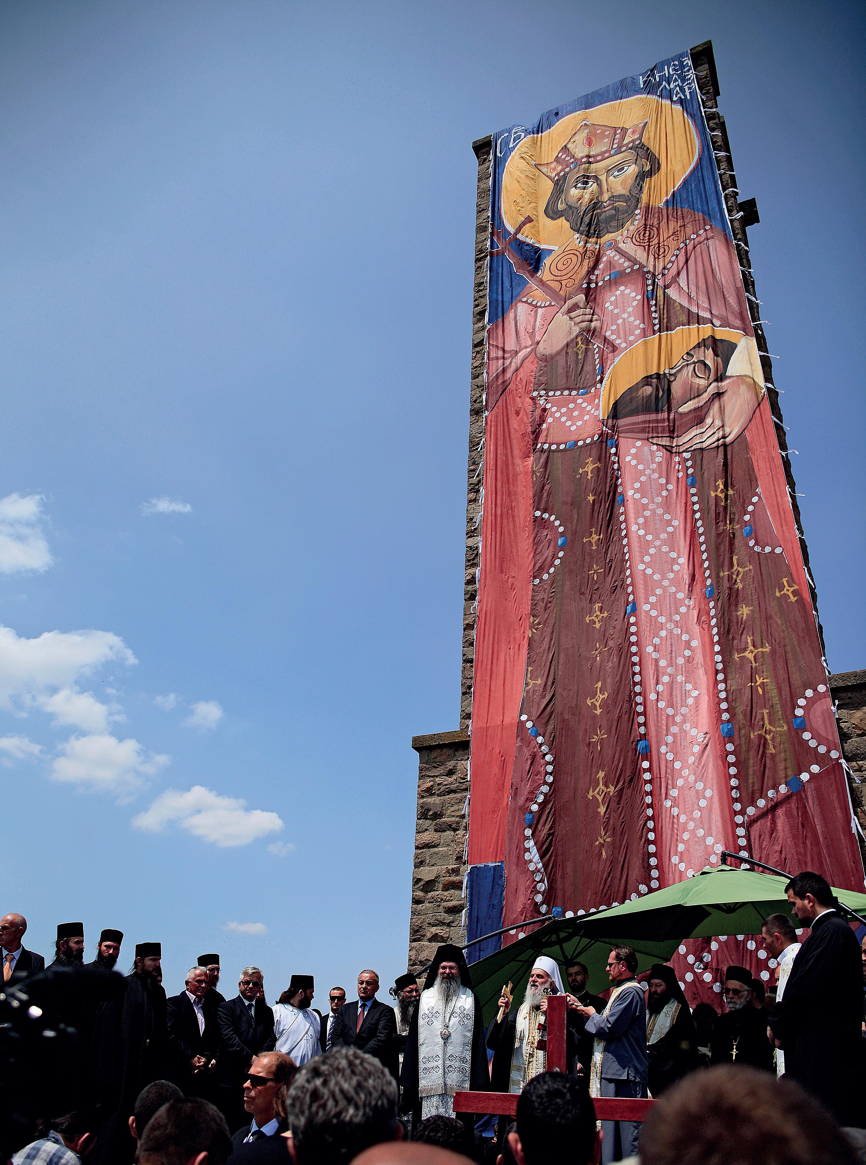 Kosovossa on Serbian ortodoksikirkon vanhimmat luostarit. Aikoinaan Slobodan Milošević nosti Kosovon Suur-Serbian keskiöön juuri historiallisten syiden takia.