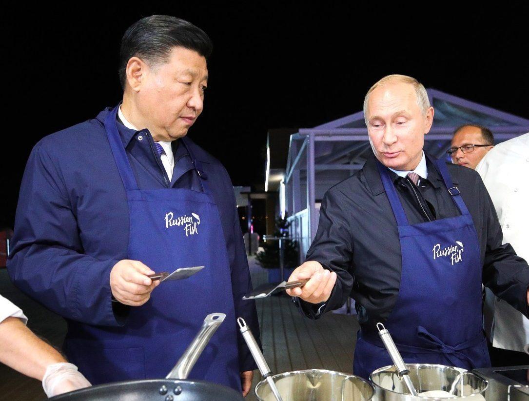 Kiinan presidentti Xi Jinping kuvaili vuonna 2019 Vladimir Putinia parhaaksi ystäväkseen. Maiden välisistä jännitteistä huolimatta presidenttien suhteen on nähty syventyvän. Stella Pictures/All Over Press